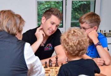 Schach Feriencamp Zürich Oerlikon