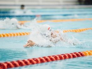 Brustschwimmen für Fortgeschrittene (Erwachsene)