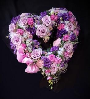 Floristikkurs: Herz mit Frischblumen